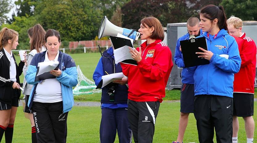 blog-how-to-recruit-volunteers-coach