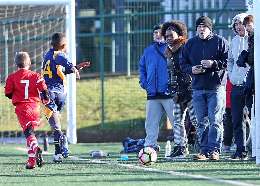 blog-tips-for-marketing-youth-football-with-parents.jpg