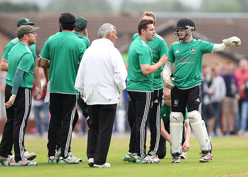 blog-cards-in-cricket-team-discussion.jpg