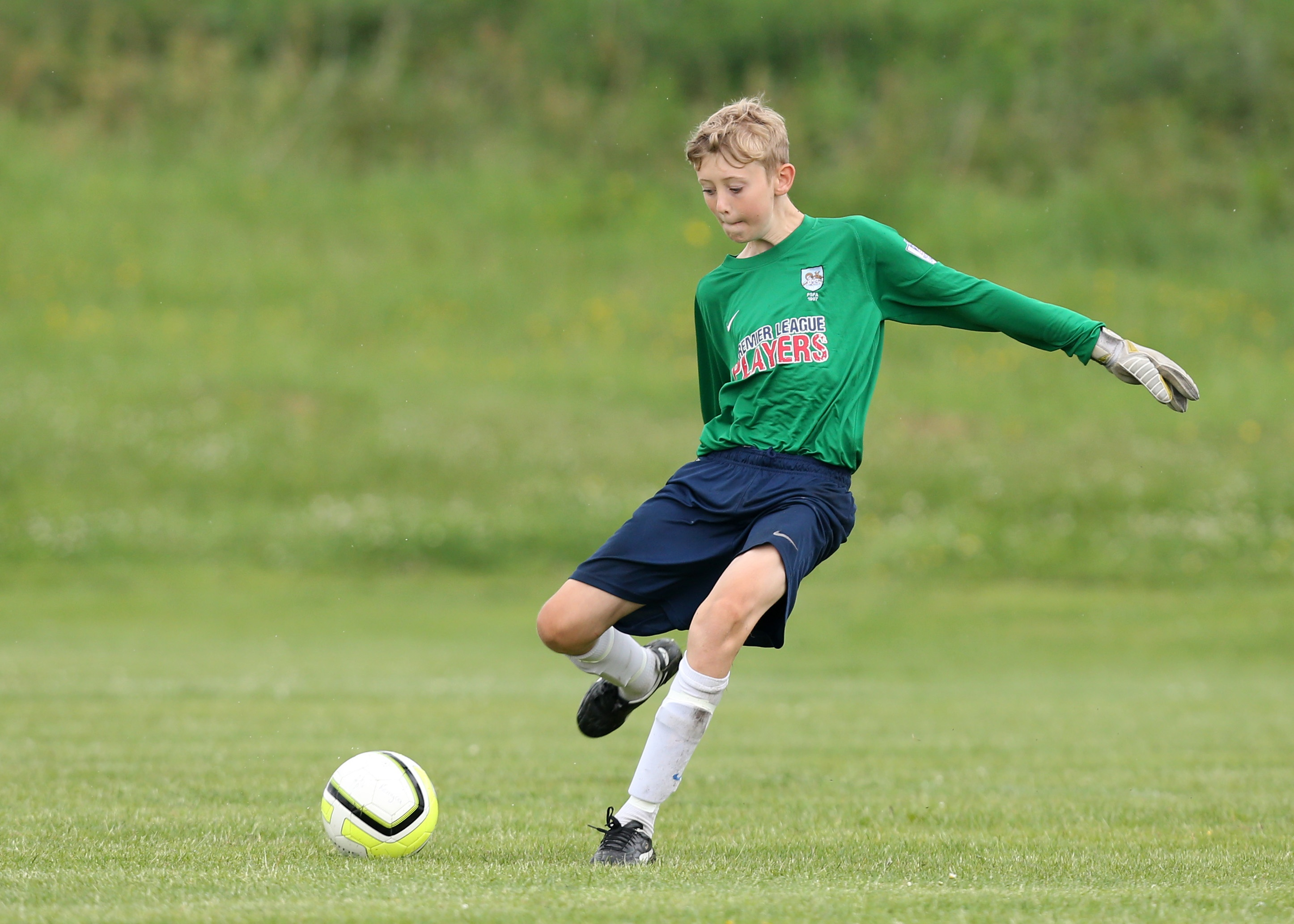 Football law changes - goal kick pic 1
