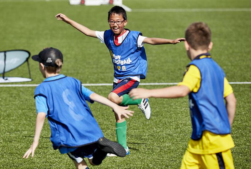 blog-football-clubs-junior-goal-celebration