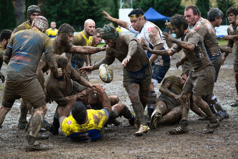 blog-grassroots-rugby-muddy-players