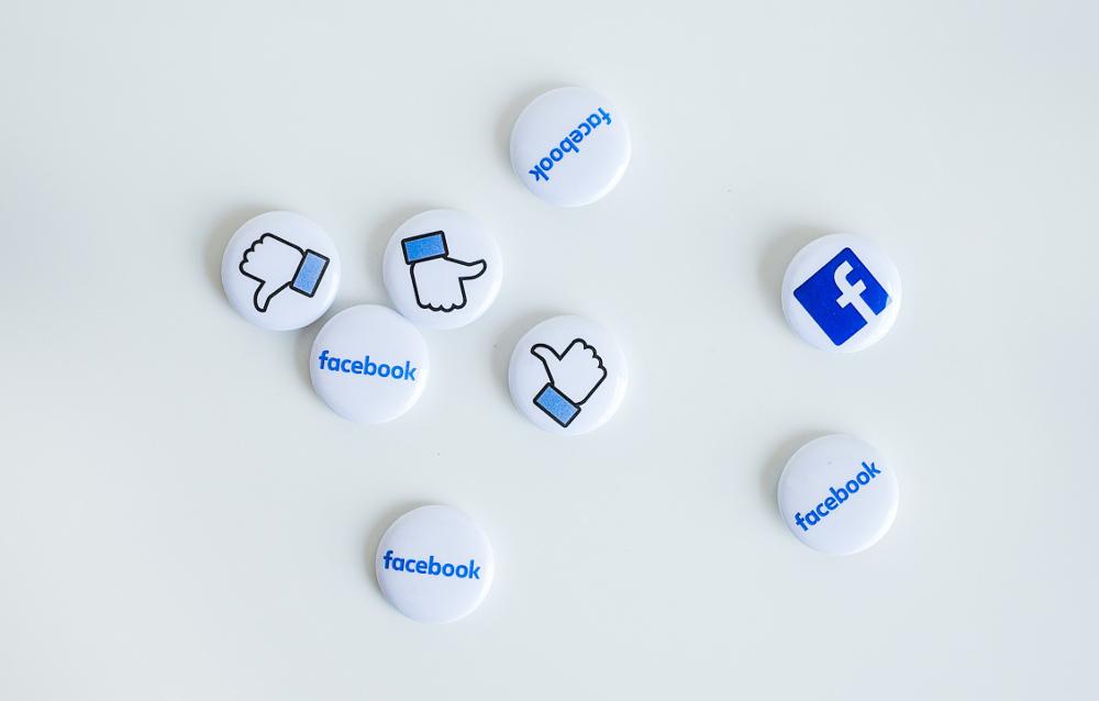 neonbrand-FB buttons-unsplash