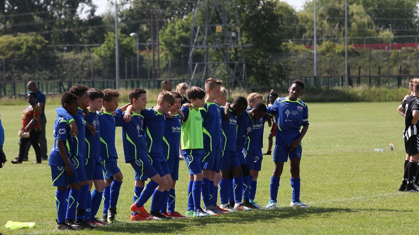 blog-why-kids-dont-play-football-friends.jpeg