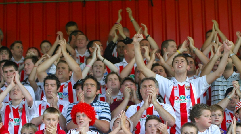 blog-football-hooliganism-fans.jpeg