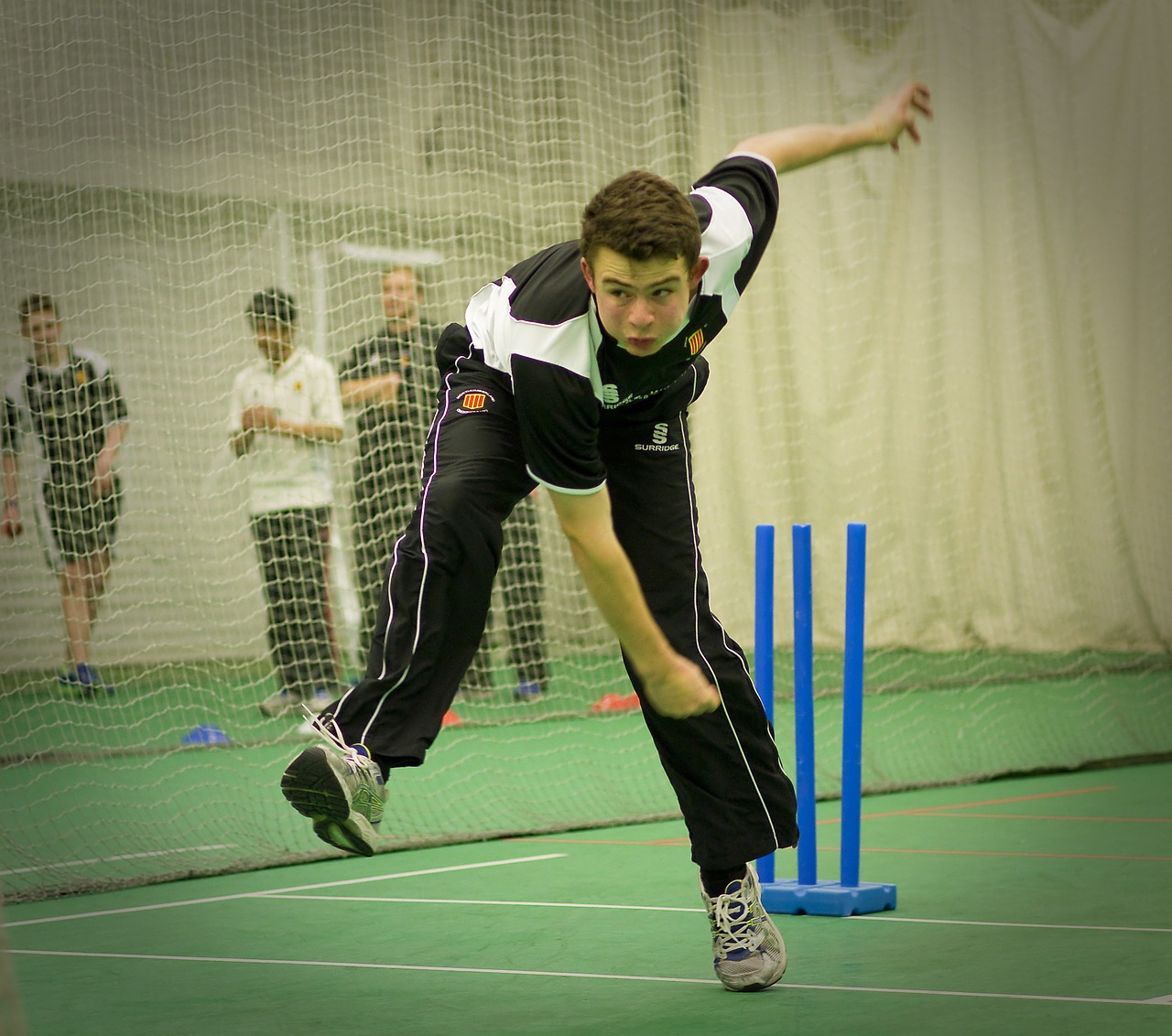 indoor-cricket